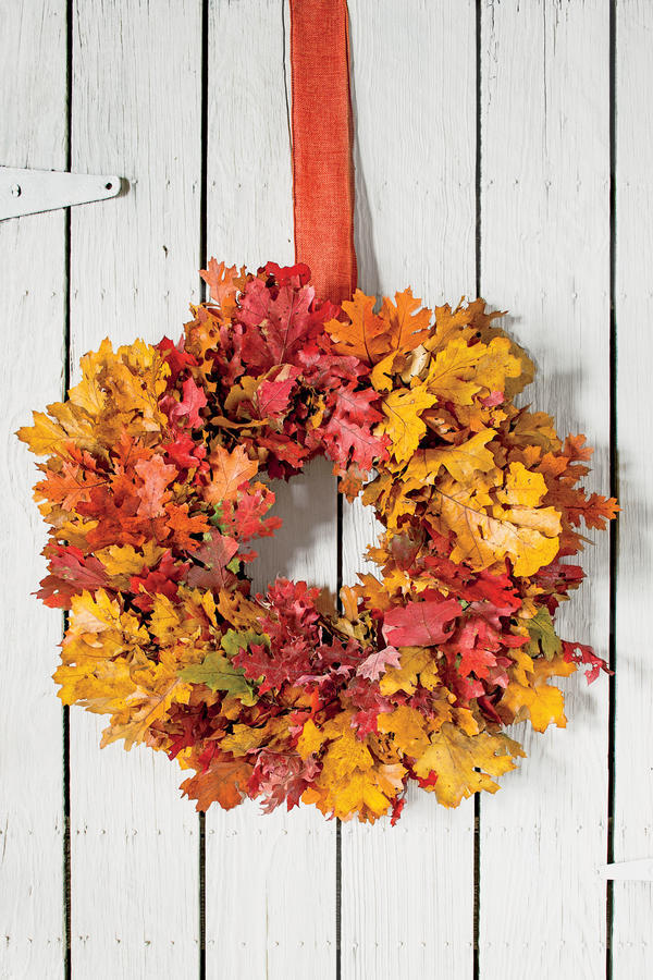 Look No Further Than Your Front Or Back Yard For Supplies For This DIY Fall  Foliage Wreath. These Bright Autumn Colors Will Bring A Nice Pop Of Color  To ...